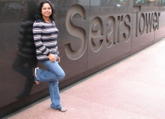 Preetha in front of Sears towers