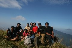 Group at the top of Ettina Bhuja