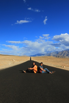 Preethu and Priya en route Leh