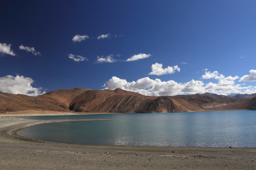 morning at Pangong